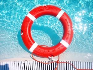 toebehoren bij een zwembad
