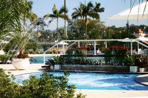 waterpretpark met zwembaden